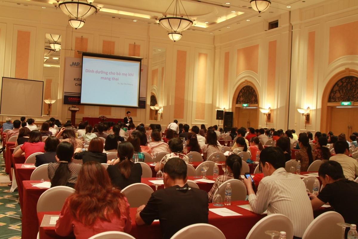 Phiên dịch hội thảo hội nghị